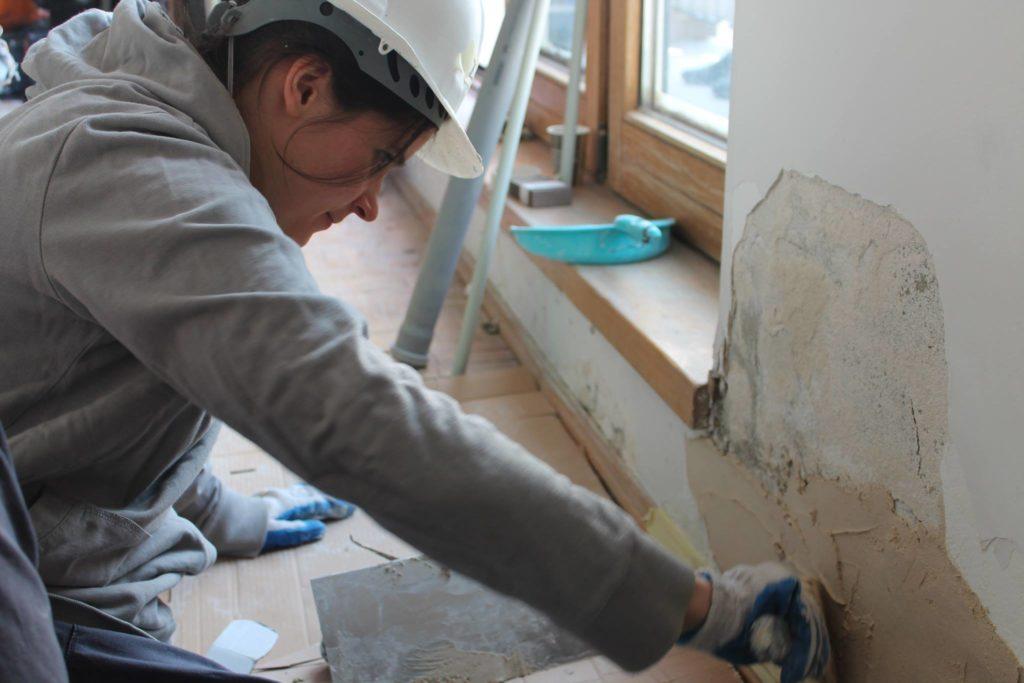 kobieta budowlaniec